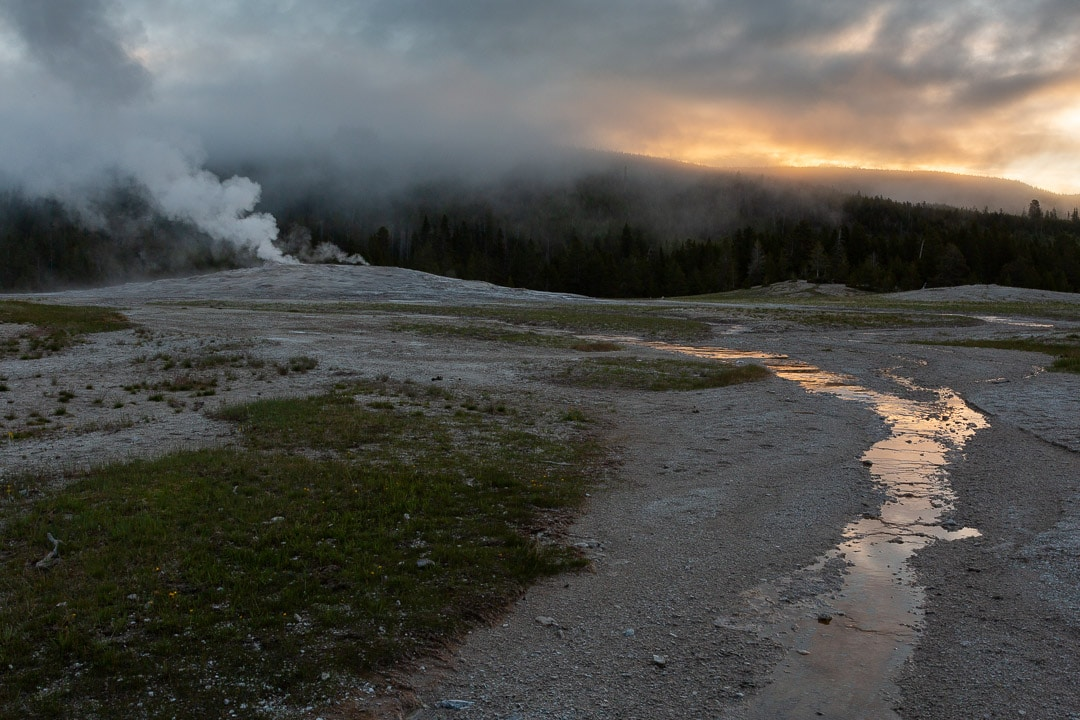 How to See Yellowstone National Park in a Day